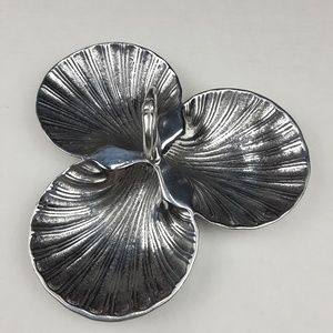 Clamshell jewelry Holder Dish,three compartments .